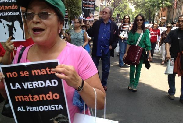Periodistas-protestando