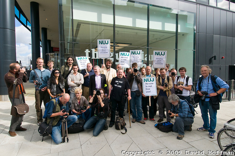 NUJ picket protesting against the Guardian rights grab at the Guardian offices 1 Sept 2009