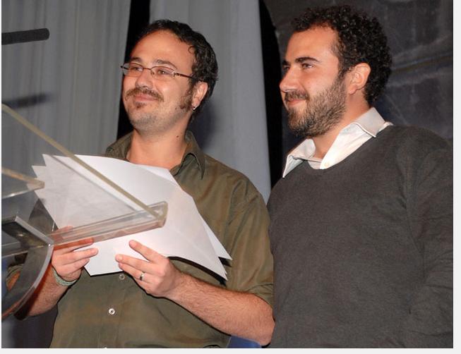 """Juan Pablo Figueroa y Gregorio Riquelme, de CIPER, ganadores del PPE 2012 por la serie """"Lucro en la Universidad del Mar"""""""