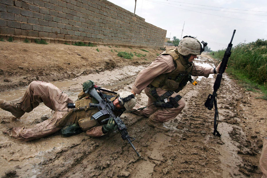 Karmah (Garma) October 31, 2006 Sgt. Jesse E. Leach drags Lance