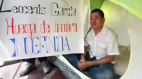 Leocenis-Garcia-huelga-Manuel-Sarda_NACIMA20130610_0002_6