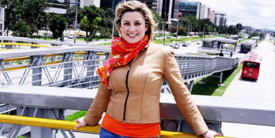 Periodista Adriana