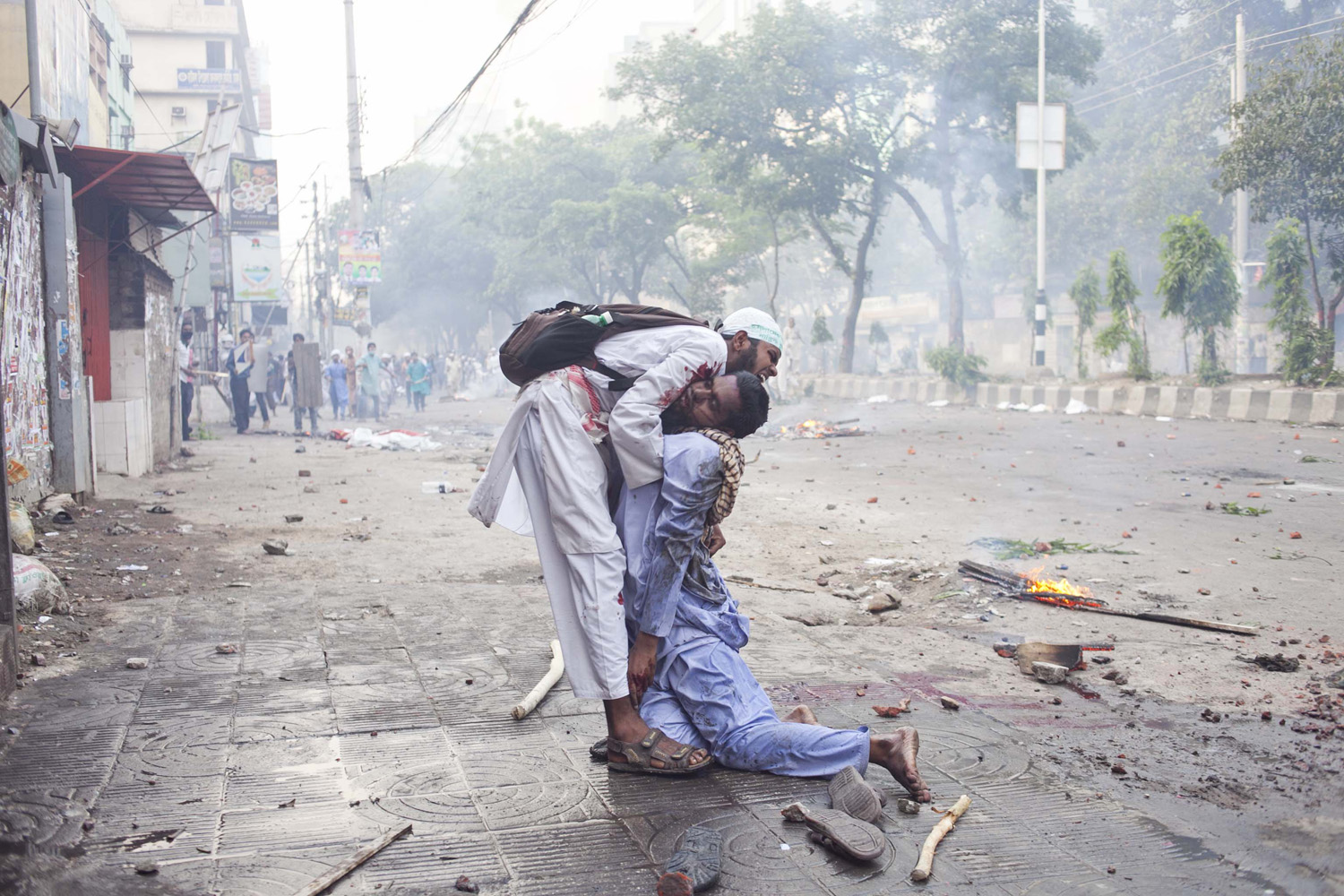 Hefazat-e-Islam locked in clashes with police in Dhaka