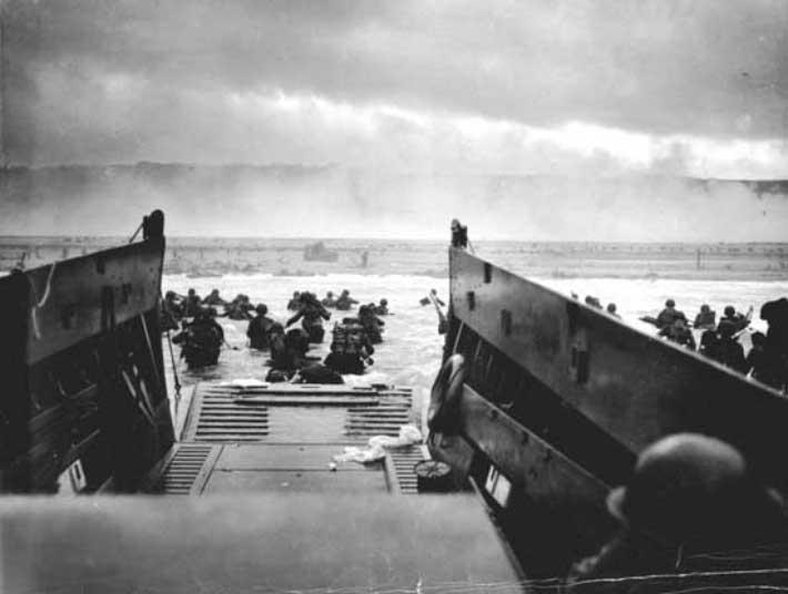 Robert Capa – D Day, 1944