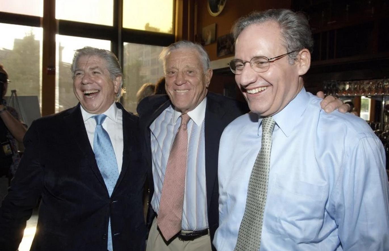 """En 2005, Carl Bernstein, Bradlee y Bob Woodward asistieron a una proyección en Nueva York de """"Todos los hombres del Presidente"""", la película  basada en Bernstein y Woodward - Foto: Washington Post"""