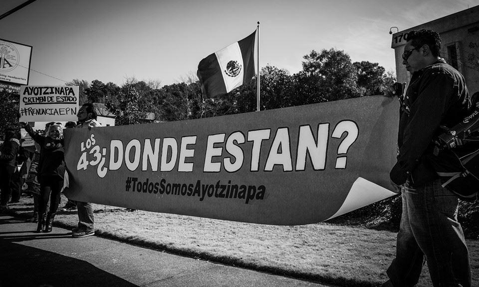Manifestación frente al consulado mexicano en Atlanto