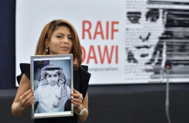 esposa-bloguero-saudi-encarcelado-raef-badawi-recibe-sajarov_1_2318140