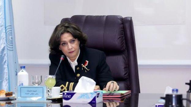 Safaa Hegazy hoy toma decisiones. Antes fue presentadora.