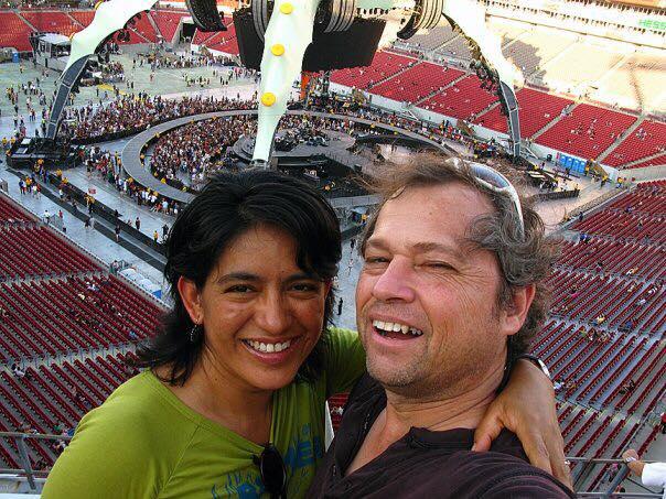 México: Buscan ayuda para fotógrafo que perdió a su esposa en terremoto