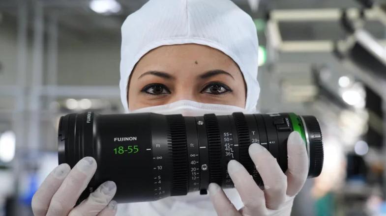 Así se hacen la cámaras y lentes de Fujifilm