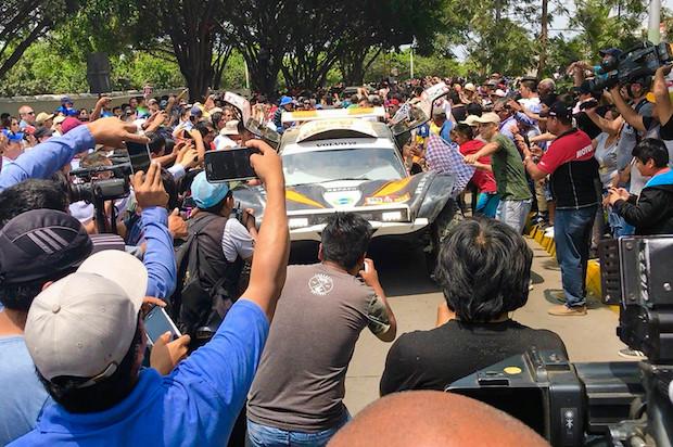 Periodistas holandeses usaron iPhone para cobertura del Rally Dakar en Perú y este fue el resultado