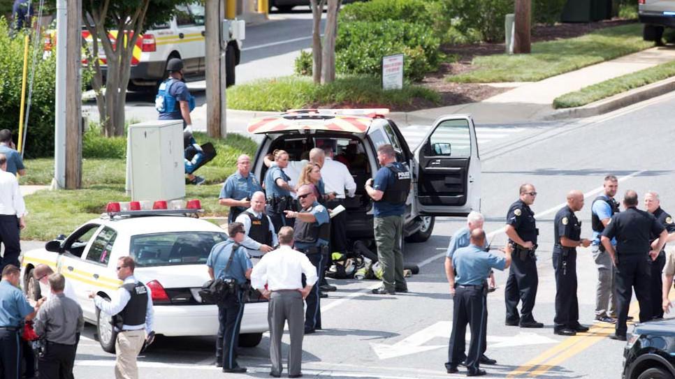 Resultado de imagen para matan a cinco en sala de redacción de periodico en estados unidos
