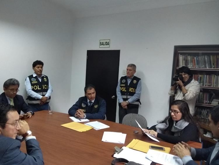 Reporteros de México, Guatemala, Costa Rica, Colombia y Venezuela rechazan presiones contra medios peruanos